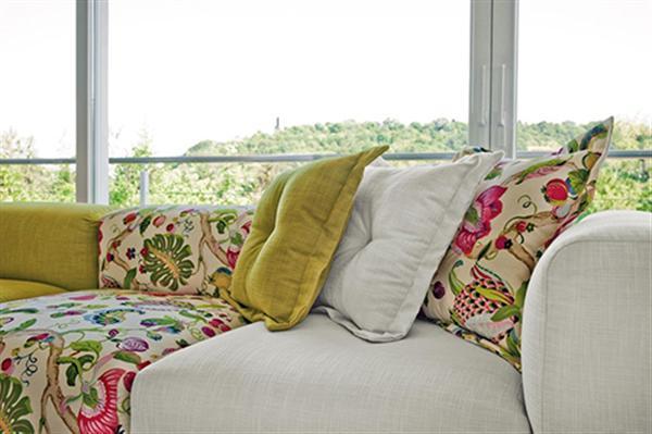 rinnovare divani scuri soluzioni design 2014 (1)