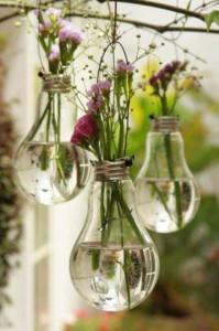 Materiali e Riciclo Creativo lampadine